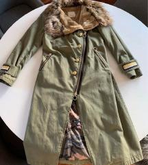 Pinko kaput s krznom
