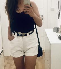 Bershka kratke hlače S