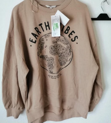 C&A sweater majica novo