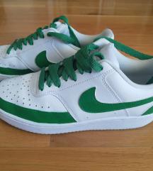 Nike re-desgined court tenisice