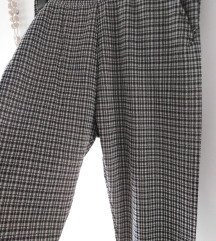 Casual karirane hlače xs/s