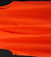 Lepršava crvena haljinica