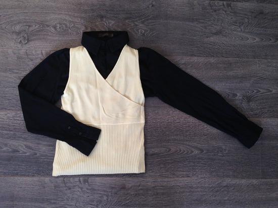 Lot crna košulja i bež pleteni prsluk