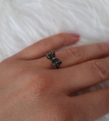 Prsten mašnica