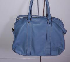 Svjetlo plava torba