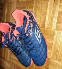 Umbro 37,Nike 38.5+gratis Jakna 158