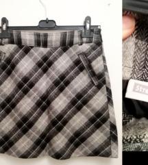 Poslovna karirana suknja
