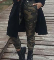 STRADIVARIUS CARGO vojničke hlače visoki struk
