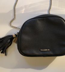 Pull&Bear nova crna kožna torbica