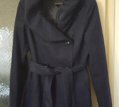Nov tamnoplavi kratki kaput vel.36