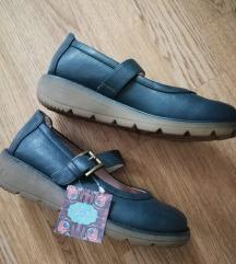 Nove cipele Nina..37