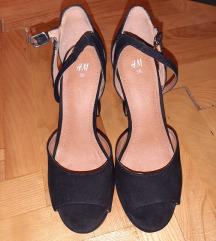 H&M cipele na petu
