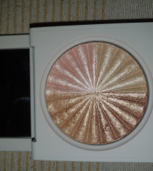 Ofra All of the lights highlighter