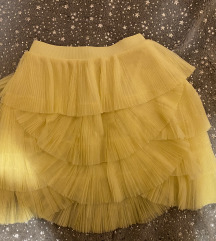Žuta suknja od tila
