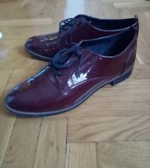Lakirane cipele NOVE