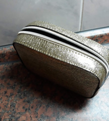 Nova mala kozmeticka torbica