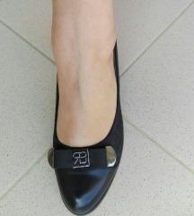Cipele na petu vel 38 pt uključen