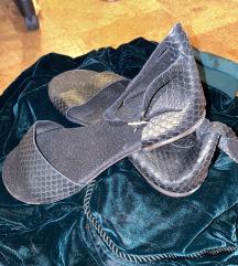 Kožne crne sandale
