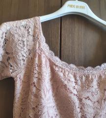 Roza čipkasta haljinica asimetrija
