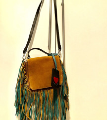 Kožna torbica s resicama
