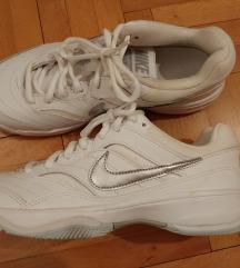 Nike 38 NOVO