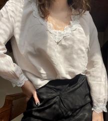 H&M lagana bluza s čipkom