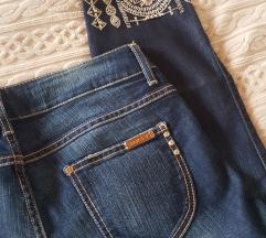 Met in jeans