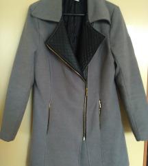 kaput s kožnom kragnom