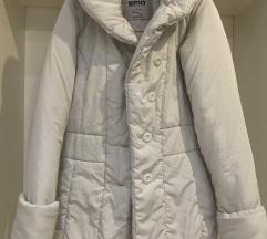 Zimska jakna boja leda