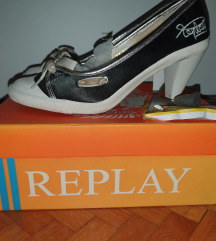 Replay Salonke