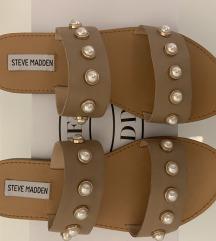 %Nove Steve Madden sandale sa biserima 37/38