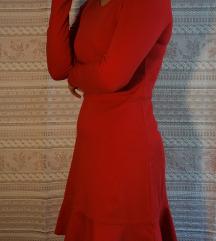 Zimska crvena haljina