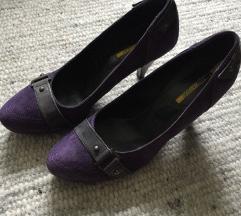 Kožne ljubičaste cipele na petu, nove