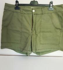 NOVE zelene kratke hlače 46