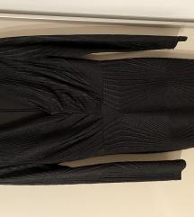 Duga crna haljina sa sjajnim nitima, vel M