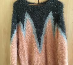 Čupavi pulover sa šljokicama