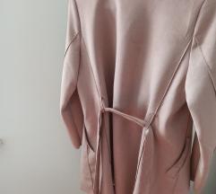 Novi Reserved rozi mantil