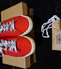&&TOMMY HILFIGER tenisice 39.5