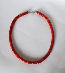 Koraljna ogrlica sa srebrnom kopčom