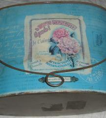 kantica limena kutija starija