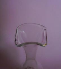 Prozirna staklena bočica-vazica