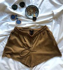 H&M hlače od antilopa