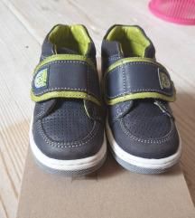 Cipele za dečkića broj 20