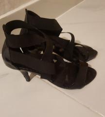 Lakirane sandale 38/39
