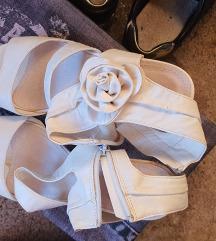 Bijele sandale 39