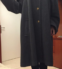 Sivi zimski kaput