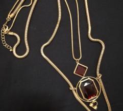 Atraktivna ogrlica