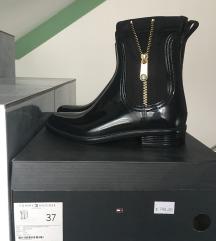 Tommy Hilfiger crne čizme