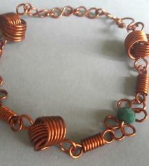 Narukvica od bakrene žice i perli