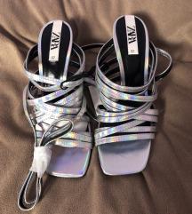 Zara srebrne sandale holografske 37